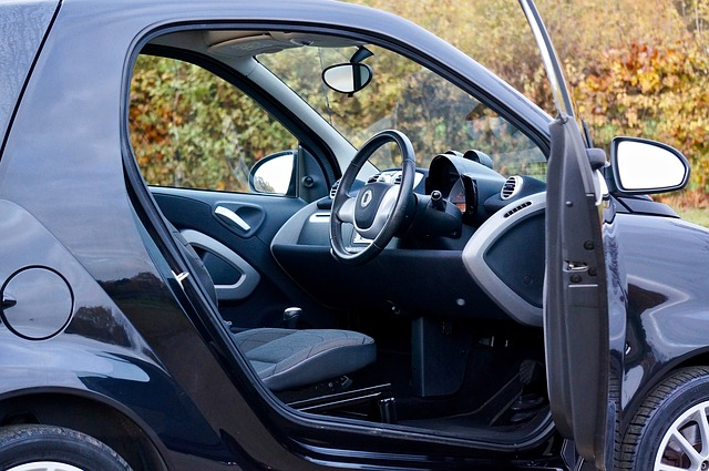 otevřené auto