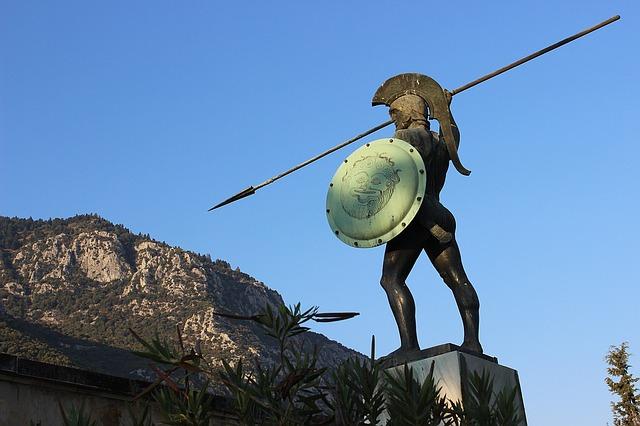 socha řeckého vojáka